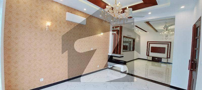 اسٹیٹ لائف ہاؤسنگ فیز 1 اسٹیٹ لائف ہاؤسنگ سوسائٹی لاہور میں 4 کمروں کا 10 مرلہ مکان 2.6 کروڑ میں برائے فروخت۔