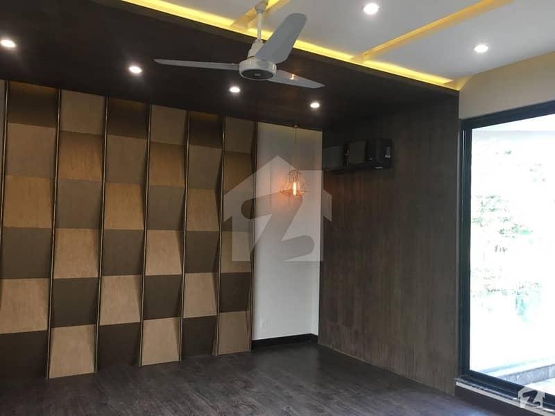 ڈی ایچ اے فیز 2 ڈیفنس (ڈی ایچ اے) لاہور میں 5 کمروں کا 1 کنال مکان 1.5 لاکھ میں کرایہ پر دستیاب ہے۔