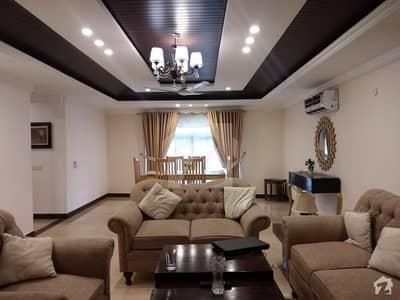 رحمان گارڈنز لاہور میں 3 کمروں کا 10 مرلہ فلیٹ 2.7 لاکھ میں کرایہ پر دستیاب ہے۔