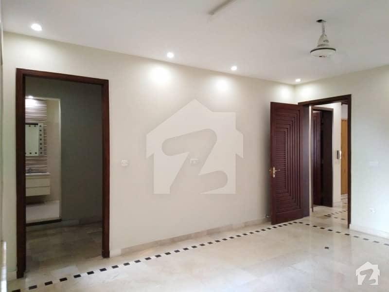 پاک عرب ہاؤسنگ سوسائٹی لاہور میں 2 کمروں کا 10 مرلہ زیریں پورشن 43 ہزار میں کرایہ پر دستیاب ہے۔
