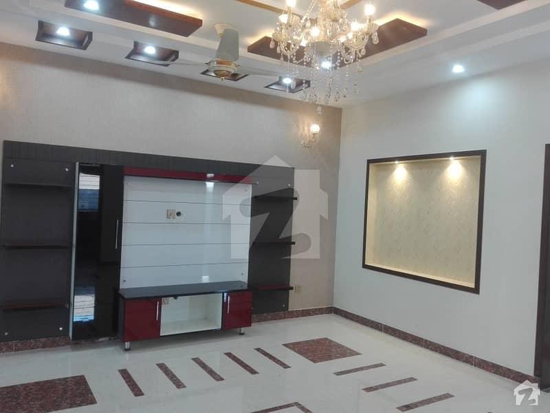 پاک عرب ہاؤسنگ سوسائٹی لاہور میں 3 کمروں کا 10 مرلہ بالائی پورشن 48 ہزار میں کرایہ پر دستیاب ہے۔