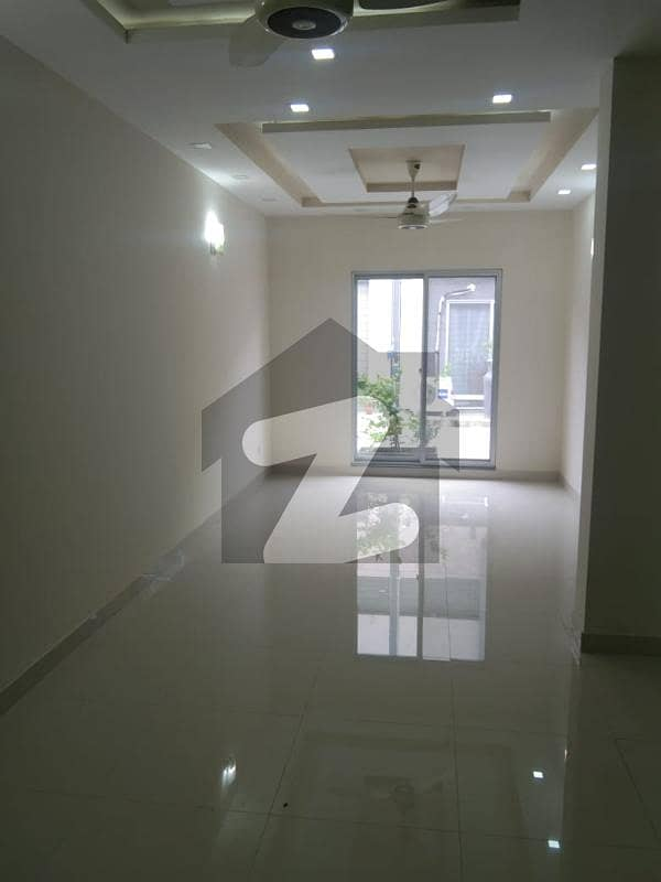 4 Marla House Of Sadaat Town For Rent.