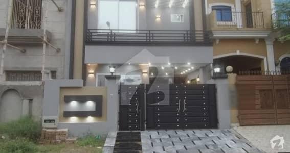 پیراگون سٹی ۔ آرچرڈ بلاک پیراگون سٹی لاہور میں 3 کمروں کا 5 مرلہ مکان 1.6 کروڑ میں برائے فروخت۔