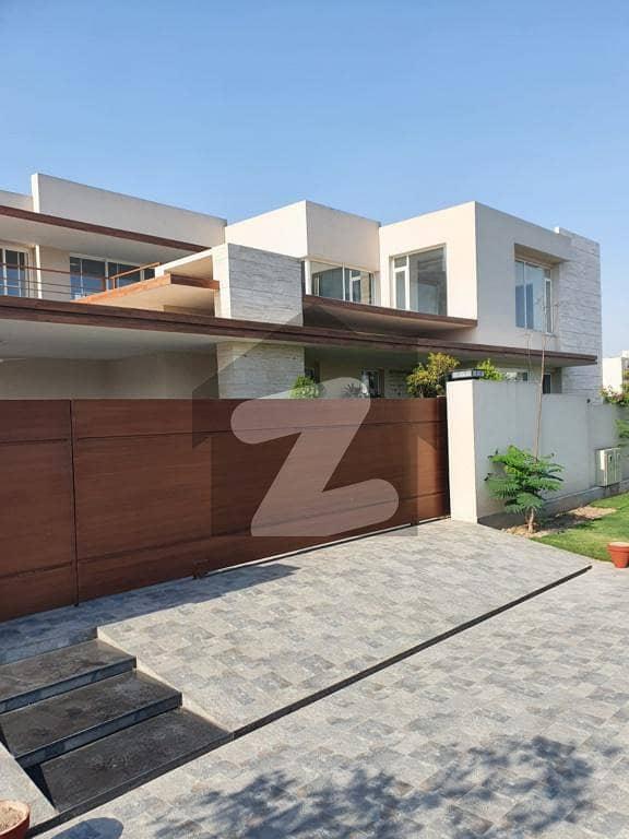 اسٹیٹ لائف ہاؤسنگ سوسائٹی لاہور میں 7 کمروں کا 1 کنال مکان 5.5 کروڑ میں برائے فروخت۔