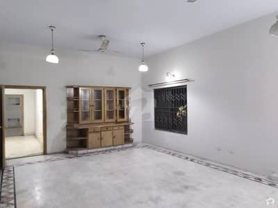 60x90 Single Storey House Is Available For Sale