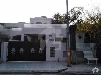 10 Marla House In Eden Is Best Option