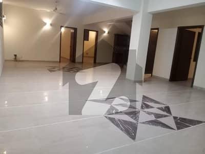 ایف ۔ 7 اسلام آباد میں 5 کمروں کا 1 کنال مکان 4.5 لاکھ میں کرایہ پر دستیاب ہے۔