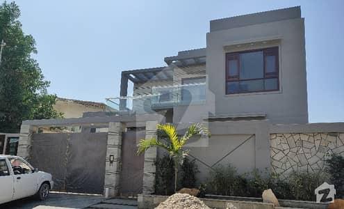 ڈی ایچ اے فیز 7 ڈی ایچ اے کراچی میں 8 کمروں کا 1 کنال مکان 7.7 کروڑ میں برائے فروخت۔