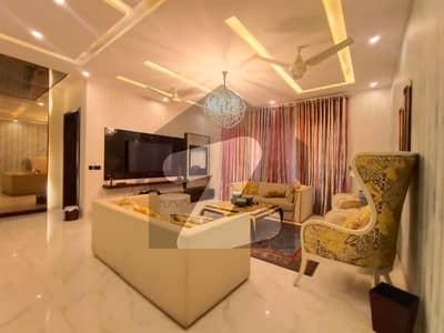 ڈی ایچ اے فیز 6 - بلاک ایف فیز 6 ڈیفنس (ڈی ایچ اے) لاہور میں 5 کمروں کا 1 کنال مکان 1.7 لاکھ میں کرایہ پر دستیاب ہے۔