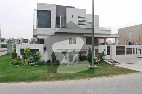 1 Kanal Stylish Corner Bungalow for Rent in Phase 5 DHA