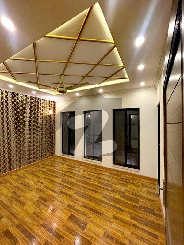 اسٹیٹ لائف فیز 1 - بلاک اے اسٹیٹ لائف ہاؤسنگ فیز 1 اسٹیٹ لائف ہاؤسنگ سوسائٹی لاہور میں 3 کمروں کا 5 مرلہ مکان 1.35 کروڑ میں برائے فروخت۔