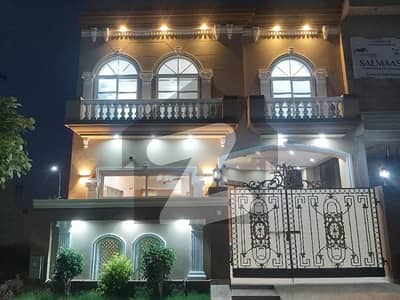 DEFENCE BEAUTIFUL BRAND NEW FIVE MARLA DOUBLE UNIT FULL HOUSE FOR RENT IN DHA LAHORE