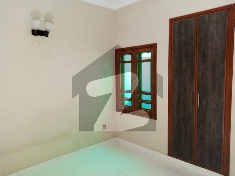 ڈی ایچ اے فیز 7 ایکسٹینشن ڈی ایچ اے ڈیفینس کراچی میں 4 کمروں کا 4 مرلہ مکان 1.1 لاکھ میں کرایہ پر دستیاب ہے۔