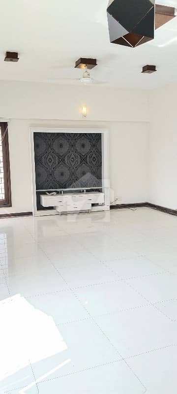 Luxurious Apartment Available For Rent