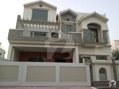 Buy A House Of 2450 Square Feet In G-10