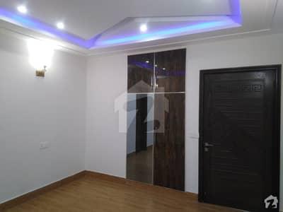 ملٹری اکاؤنٹس ہاؤسنگ سوسائٹی لاہور میں 5 کمروں کا 8 مرلہ مکان 1.6 کروڑ میں برائے فروخت۔