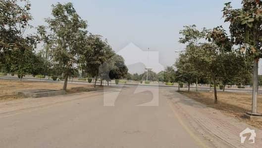 بحریہ ٹاؤن ۔ بلاک ای ای بحریہ ٹاؤن سیکٹرڈی بحریہ ٹاؤن لاہور میں 5 مرلہ رہائشی پلاٹ 65 لاکھ میں برائے فروخت۔