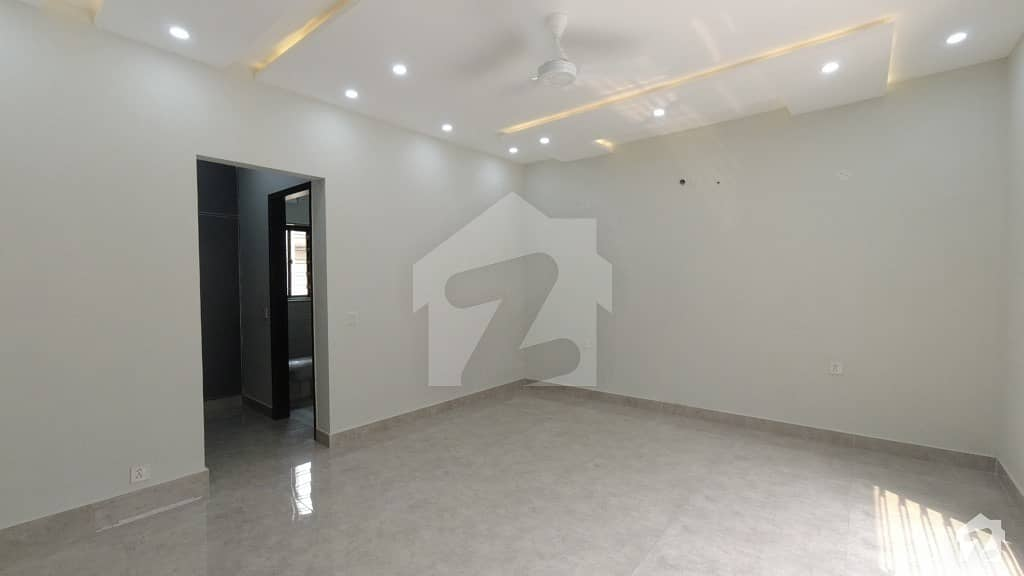 Affordable Upper Portion Available For Rent In LDA Avenue
