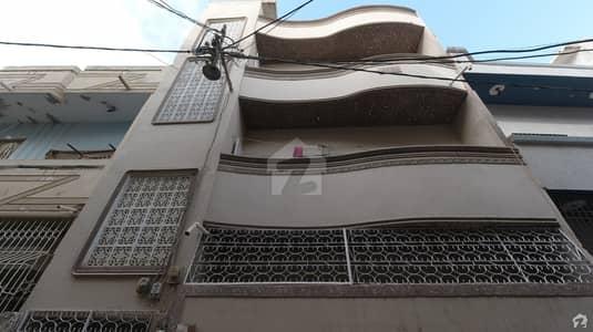 بفر زون - سیکٹر 15-A / 4 بفر زون نارتھ کراچی کراچی میں 6 کمروں کا 5 مرلہ مکان 1.36 کروڑ میں برائے فروخت۔