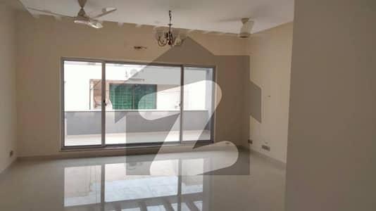 ڈی ایچ اے فیز 2 - بلاک ٹی فیز 2 ڈیفنس (ڈی ایچ اے) لاہور میں 3 کمروں کا 1 کنال بالائی پورشن 80 ہزار میں کرایہ پر دستیاب ہے۔