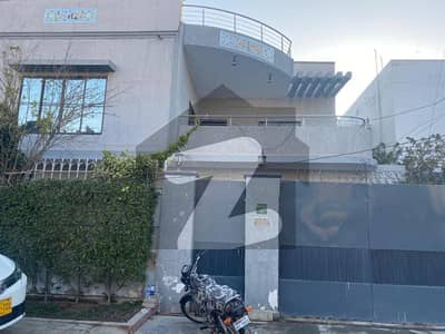 Buy A Great 300 Square Yards House In A Prime Spot Of Karachi