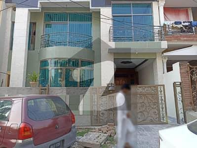 مارگلہ ٹاؤن فیز 2 مارگلہ ٹاؤن اسلام آباد میں 4 کمروں کا 8 مرلہ مکان 3.5 کروڑ میں برائے فروخت۔