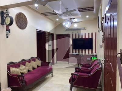 جامی کمرشل ایریا ڈی ایچ اے فیز 7 ڈی ایچ اے کراچی میں 3 کمروں کا 8 مرلہ فلیٹ 1.85 کروڑ میں برائے فروخت۔