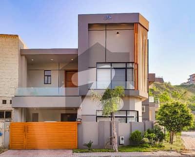 بحریہ انٹلیکچول ویلج بحریہ ٹاؤن راولپنڈی راولپنڈی میں 4 کمروں کا 8 مرلہ مکان 3.5 کروڑ میں برائے فروخت۔