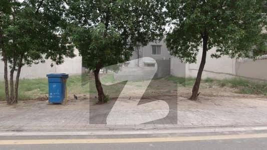 بحریہ ٹاؤن رفیع بلاک بحریہ ٹاؤن سیکٹر ای بحریہ ٹاؤن لاہور میں 10 مرلہ رہائشی پلاٹ 1.45 کروڑ میں برائے فروخت۔