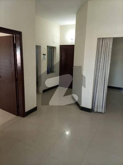 بدر کمرشل ایریا ڈی ایچ اے فیز 5 ڈی ایچ اے کراچی میں 2 کمروں کا 4 مرلہ فلیٹ 33 ہزار میں کرایہ پر دستیاب ہے۔