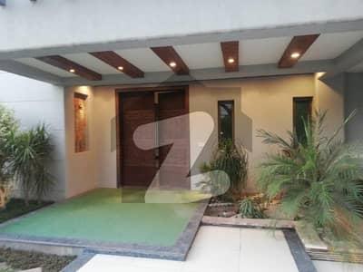 ڈی ایچ اے فیز 3 - بلاک ڈبلیو فیز 3 ڈیفنس (ڈی ایچ اے) لاہور میں 5 کمروں کا 2 کنال مکان 13 کروڑ میں برائے فروخت۔