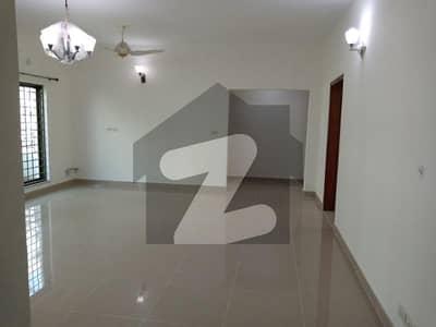 3 Beds 10 Marla 1st floor Flat For Sale