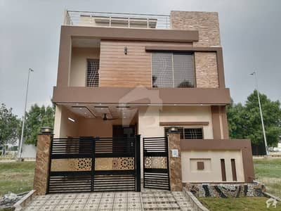 Block Ee, Hot Location Brand New House For Sale