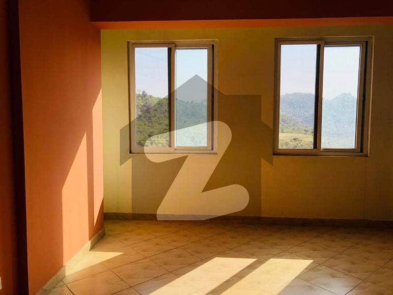چتر اسلام آباد میں 2 کمروں کا 8 مرلہ فلیٹ 63 لاکھ میں برائے فروخت۔