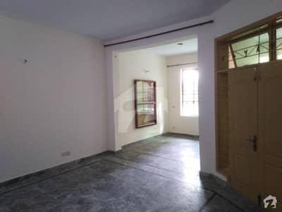 ٹاؤن شپ لاہور میں 3 کمروں کا 10 مرلہ بالائی پورشن 30 ہزار میں کرایہ پر دستیاب ہے۔