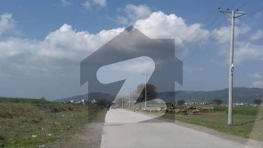 ڈی ۔ 12 اسلام آباد میں 1 کنال رہائشی پلاٹ 6.5 کروڑ میں برائے فروخت۔