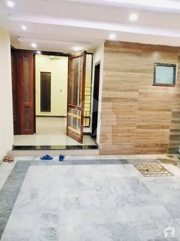 جی ۔ 15 اسلام آباد میں 4 کمروں کا 7 مرلہ مکان 55 ہزار میں کرایہ پر دستیاب ہے۔