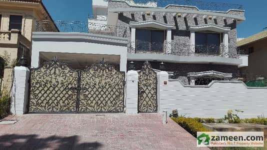 F-10/2 - 500 Square Yard 6 Bedrooms Marble Flooring Brand New Architect Design House For Sale