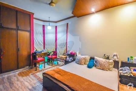 ڈی ایچ اے فیز 8 سابقہ ایئر ایوینیو ڈی ایچ اے فیز 8 ڈی ایچ اے ڈیفینس لاہور میں 2 کمروں کا 10 مرلہ بالائی پورشن 42 ہزار میں کرایہ پر دستیاب ہے۔