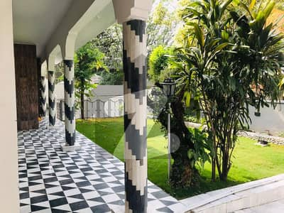 Newly Renovated 5 Bed Full House Near Jinnah Super Market For Rent in F-7