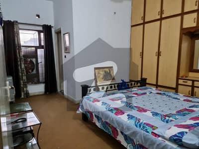 پنجاب کوآپریٹو ہاؤسنگ سوسائٹی لاہور میں 1 کمرے کا 10 مرلہ کمرہ 20 ہزار میں کرایہ پر دستیاب ہے۔