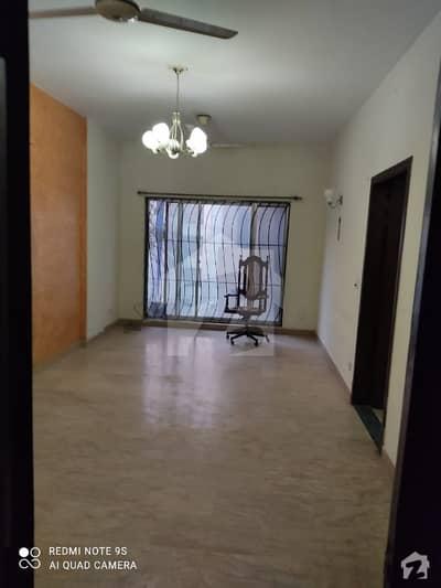 ای ۔ 11 اسلام آباد میں 3 کمروں کا 6 مرلہ فلیٹ 78 لاکھ میں برائے فروخت۔