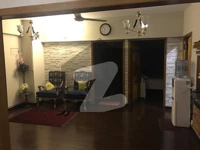 ایف ۔ 10 اسلام آباد میں 2 کمروں کا 6 مرلہ فلیٹ 1.25 کروڑ میں برائے فروخت۔