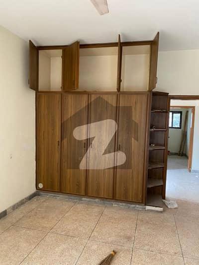 ڈی ایچ اے فیز 2 ڈیفنس (ڈی ایچ اے) لاہور میں 3 کمروں کا 1 کنال بالائی پورشن 50 ہزار میں کرایہ پر دستیاب ہے۔