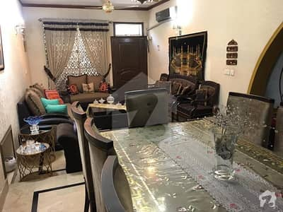 ماڈل ٹاؤن لاہور میں 5 کمروں کا 10 مرلہ مکان 2.82 کروڑ میں برائے فروخت۔