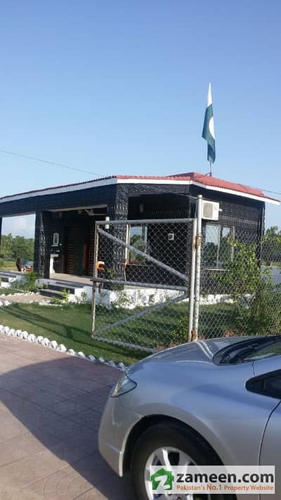 4 Kanal Luxury Farm House In Islamabad Motorway