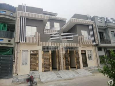 ورسک روڈ پشاور میں 4 کمروں کا 3 مرلہ مکان 90 لاکھ میں برائے فروخت۔