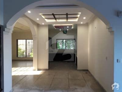 1 Kanal Corner House For Rent