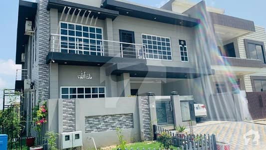 35x70 Corner House For Sale
