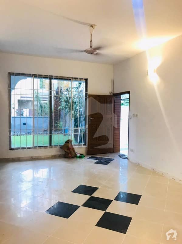 F-7 House Is Available For Rent